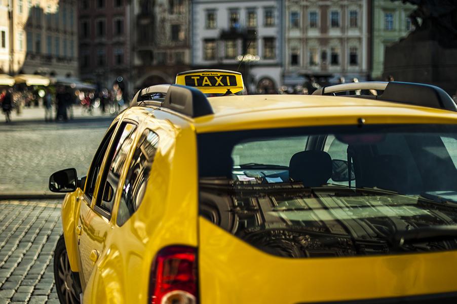 Servizio di taxi Malpensa Orio al Serio reperibile a tutte le ore