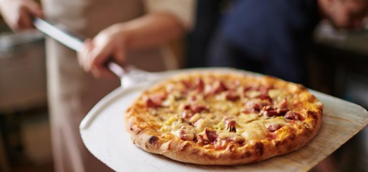 Desideri gustare un'ottima pizza preparata con lievito madre? Ecco dove puoi ordinarla