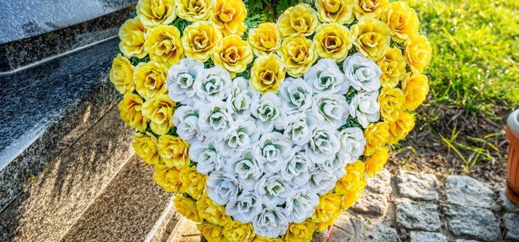 Come scegliere i fiori per un funerale: le diverse tipologie